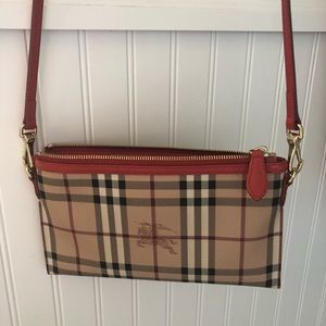 100% Authentic Burberry cross body like new